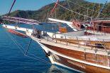 yacht charter contac